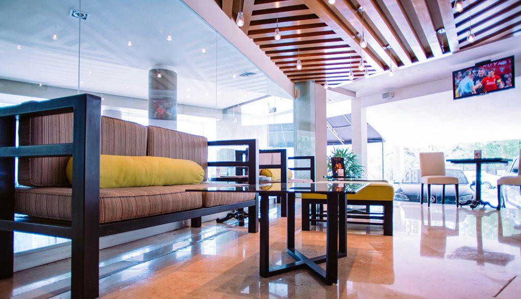 <h6>ÁREA DE TERRAZA</h6> <p> Disfruta de nuestras instalaciones.</p>