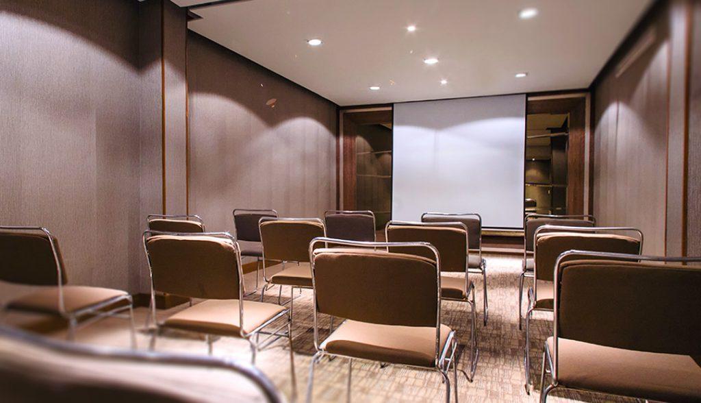 <h6>SALONES</h6> <p> El espacio ideal para tu evento.</p>