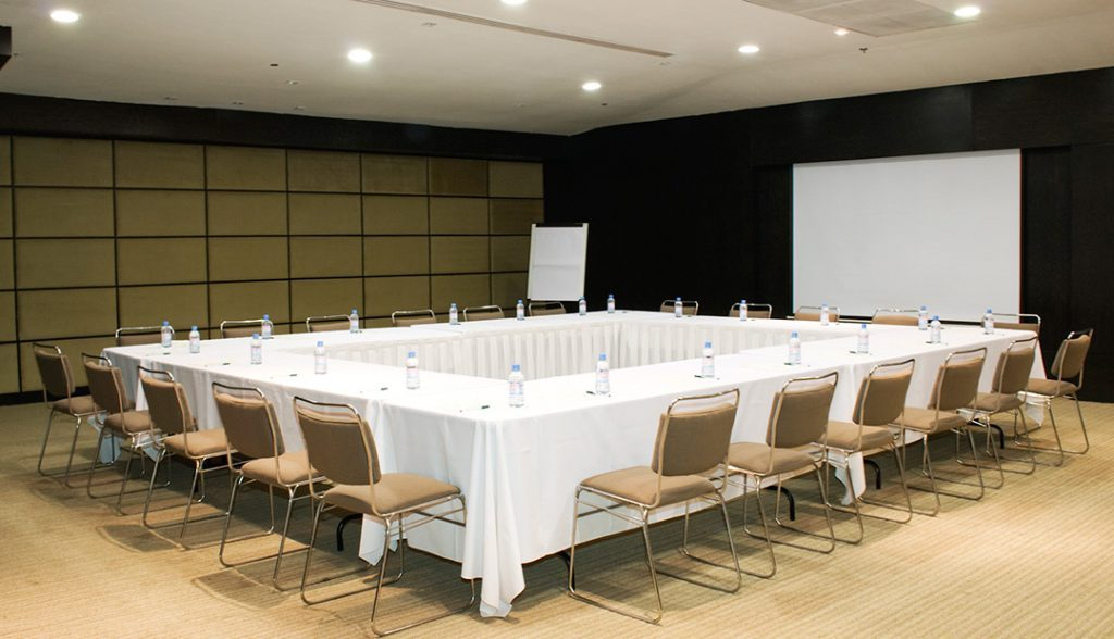 <h6> EVENT ROOMS </h6><p> the ideal space for your event. </p>